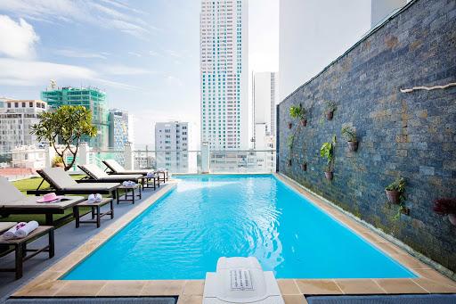 Hồ Bơi Resort Đà Nẵng tháng 11.2019